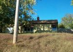Foreclosed Home in Clinton 52732 318 27TH AVE N - Property ID: 1651045