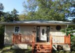 Foreclosed Home in Mastic 11950 16 RUTLAND RD - Property ID: 2767957