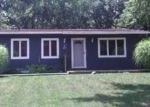 Foreclosed Home in Mastic 11950 44 GROVE DR - Property ID: 2818966