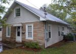 Foreclosed Home in West Frankfort 62896 1411 E POPLAR ST - Property ID: 2872380