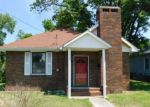 Foreclosed Home in Harrisburg 62946 720 W POPLAR ST - Property ID: 3107160