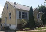 Foreclosed Home in Windsor Mill 21244 3503 ELLEN RD - Property ID: 3411302