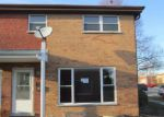Foreclosed Home in North Aurora 60542 204 LINN CT APT A - Property ID: 3591568