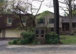 Foreclosed Home in Spring Grove 17362 6219 HILL TOP DR E - Property ID: 3680145