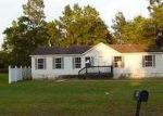 Foreclosed Home in Jesup 31545 199 E SHELLCRACKER RD - Property ID: 3742237