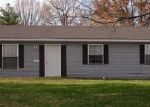 Foreclosed Home in Carbondale 62901 1010 N WALL ST - Property ID: 3752240