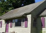 Foreclosed Home in Camillus 13031 200 HEATHER LN - Property ID: 3781010