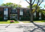 Foreclosed Home in Arlington Heights 60004 2405 E BRANDENBERRY CT APT 1F - Property ID: 3831065