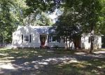 Foreclosed Home in North Chesterfield 23235 2427 LANCRAFT RD - Property ID: 3848333