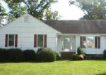 Foreclosed Home in North Chesterfield 23234 5319 GATEBRIDGE RD - Property ID: 3848340