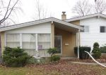 Foreclosed Home in Glenview 60025 201 VALERIE CT - Property ID: 3916541