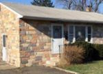 Foreclosed Home in Warminster 18974 64 HARVEY RD - Property ID: 3927832