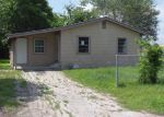 Foreclosed Home in Seguin 78155 937 E PINE ST - Property ID: 3960145