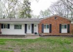 Foreclosed Home in West Bloomfield 48322 7061 PEBBLECREEK RD - Property ID: 3966200