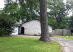 Foreclosed Home in Clute 77531 240 CRESTWOOD ST - Property ID: 3978749