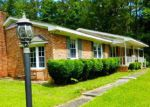 Foreclosed Home in Lake Waccamaw 28450 150 OAK RD - Property ID: 3999206