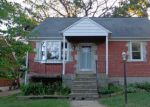 Foreclosed Home in Parkville 21234 8220 OAKLEIGH RD - Property ID: 4006632