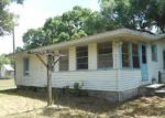 Foreclosed Home in Palmetto 34221 3703 2ND AVENUE DR E - Property ID: 4007111