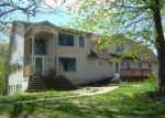 Foreclosed Home in Commerce Township 48382 10111 COOLEY LAKE RD - Property ID: 4011967