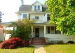Foreclosed Home in Freeport 11520 154 PORTERFIELD PL - Property ID: 4013795