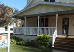 Foreclosed Home in Menasha 54952 717 BROAD ST - Property ID: 4013998