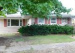 Foreclosed Home in Benton 62812 1205 GRAYSON ST - Property ID: 4017876