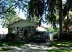 Foreclosed Home in Center Line 48015 7293 HENRY - Property ID: 4019178