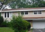 Foreclosed Home in Hazel Crest 60429 3519 CHESTNUT DR - Property ID: 4019478