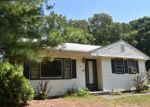 Foreclosed Home in North Haven 6473 34 ROGER AVE - Property ID: 4019820