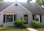 Foreclosed Home in Oak Park 48237 13661 VERNON ST - Property ID: 4024227