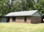 Foreclosed Home in Aberdeen 39730 103 MINOR DR - Property ID: 4025940