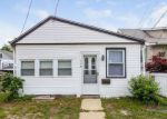 Foreclosed Home in Somers Point 8244 115 W GROVELAND AVE - Property ID: 4028441