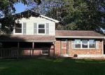 Foreclosed Home in Jeffersonville 47130 1206 W WALFORD DR - Property ID: 4035058