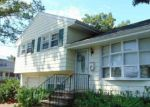 Foreclosed Home in Bergenfield 7621 34 S QUEEN ST - Property ID: 4036604