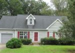 Foreclosed Home in Woodlawn 37191 2944 CHARLIE SLEIGH RD - Property ID: 4037015