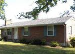 Foreclosed Home in Vinton 24179 420 MAPLEWOOD DR - Property ID: 4038191