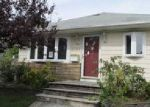 Foreclosed Home in Westbury 11590 2463 LINDY RD - Property ID: 4043090