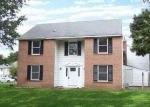 Foreclosed Home in Coram 11727 6 CHARLESTON CT - Property ID: 4045558