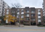 Foreclosed Home in Des Plaines 60016 603 S RIVER RD APT 2E - Property ID: 4056634