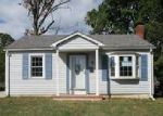 Foreclosed Home in Essex 21221 1714 LANGLEY RD - Property ID: 4059091