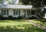 Foreclosed Home in Bloomington 61701 309 MEADOWS AVE - Property ID: 4060478