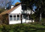 Foreclosed Home in Round Lake 60073 172 E LAKEVIEW AVE - Property ID: 4068099