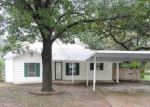 Foreclosed Home in Haltom City 76117 5816 HIGHLAND AVE - Property ID: 4069606