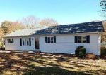 Foreclosed Home in Hickory 28601 3556 YORKLAND DR - Property ID: 4072996