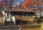 Foreclosed Home in Shirley 11967 111 GRAND AVE - Property ID: 4075091