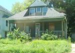 Foreclosed Home in Waterloo 50703 607 LOGAN AVE - Property ID: 4075231