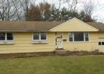Foreclosed Home in Windsor 6095 65 CUSTER DR - Property ID: 4076492