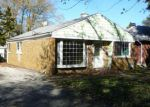 Foreclosed Home in Mundelein 60060 846 LANGE ST - Property ID: 4076959