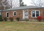 Foreclosed Home in Louisville 40228 7702 APPLE VALLEY DR - Property ID: 4078630