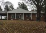 Foreclosed Home in Kingsport 37663 508 BEECHWOOD DR - Property ID: 4079215